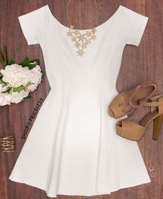 I like the dress, but I would just want black heels & no accessories