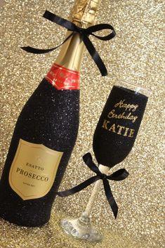 Alcohol Bottle Decorations, Liquor Bottle Crafts, Decorated Liquor Bottles, Glitter Champagne Bottles, Bling Bottles, Bedazzled Bottle, Diy Wine Glasses, Alcohol Gifts, Custom Bottles