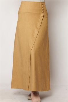 Hijab - hijab models - Moon Clothing Three Button Suede Bell Skirt Mustard 1112 Informations About Tesettür – tesettür - Hipster Outfits, Classy Outfits, Cool Outfits, Casual Outfits, First Day Outfit, Moon Clothing, Modele Hijab, Petite Dresses, Skirt Outfits