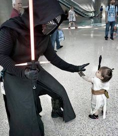 Kylo Ren meets tiny Rey