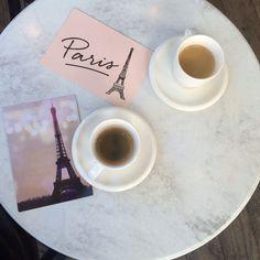 Rêves de Paris. . . France