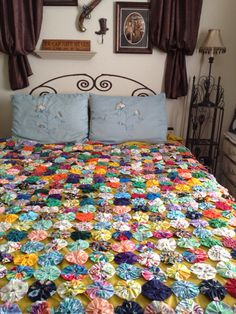 Yo Yo Hand Made Quilt- Old Fashion Coverlet-YoYo Bedspread