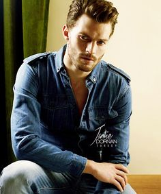 Jamie Dornan :: please send help Jamie Dornan, Christian Grey, Dakota Johnson Movies, Fifty Shades Of Grey, 50 Shades, Mr Grey, Irish Men, Attractive Men, Perfect Man