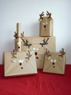 Reindeer wrapped gifts. This is too cute!
