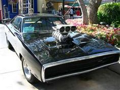 69 Dodge Charger Ok this is her my main dream car! Cars Usa, Mopar Or No Car, Car Photos, Universal Studios, Muscle Cars, Cars Motorcycles, Dream Cars, Super Cars, Classic Cars