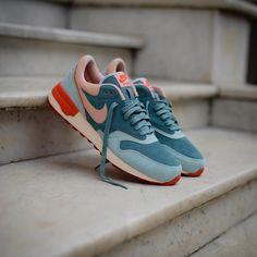 Nike Air Odyssey LTR: Light Blue / Pink