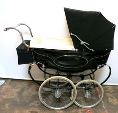 BEAUTIFUL VINTAGE SILVER CROSS PRAM 1950s IN IMPECCABLE CONDITION