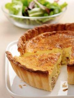 muscade, poivre, oeuf, emmental, lait, beurre, crème fraîche épaisse, pâte brisée, sel, thon