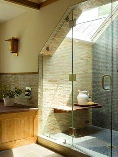la plus lumineuse salle de bain sous combles