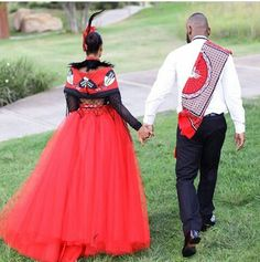 Walking into the African sunset Couples African Outfits, Couple Outfits, African Attire, African Wear, African Dress, South African Traditional Dresses, African Traditional Wedding, Traditional Wedding Dresses, Traditional Outfits