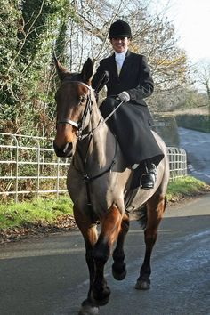 Kate Hardt in Full Side Saddle Hunting attire