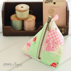 Triangle Pouch tutorial - A Spoonful of Sugar
