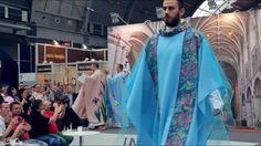 Nowa moda dla księży na Sacroexpo 2017 - YouTube
