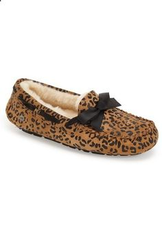 Ugg Dakota Leopard Print Bow Slipper (women) In Chestnut Suede Shearling Slippers, Ugg Slippers, Womens Slippers, Uggs With Bows, Cheap Snow Boots, Ugg Boots Sale, Uggs For Cheap, Nike Shoes Outfits, Ugg Shoes
