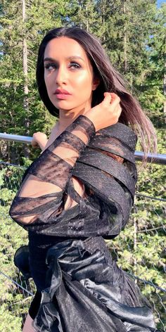 Sraddha Kapoor, Ranbir Kapoor, Bollywood Celebrities, Bollywood Actress, Indian Heroine Photo, 30 Days Photo Challenge, Shraddha Kapoor Cute, Heroine Photos, Sexy Legs And Heels