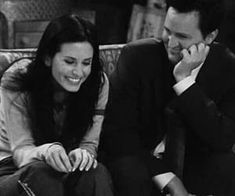 Image about love in bflideal by emiliaxf on We Heart It Friends Chandler And Monica, Joey Friends, Friends Cast, Friends Show, Friends Family, Friends Funny Moments, Friends Scenes, Friends Episodes, Real Tv