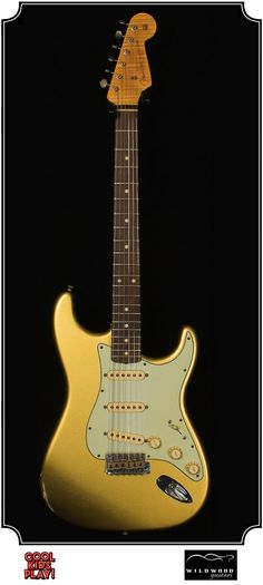 """Dealer Select Wildwood """"10"""" Relic : 59 Stratocaster built by the Fender Custom Shop for Wildwood Guitars. Relic'd Faded Aztec Gold"""