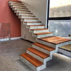 Staircase Design Modern, Best Modern House Design, Home Stairs Design, House Design Photos, Home Room Design, Concrete Staircase, House Staircase, Wood Stairs, Facade House