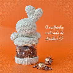 amigurumi coelhinho porta chocolates pascoa receita marcelo nunes Easter Crochet, Chocolates, Happy Easter, Teddy Bear, Mini, Food, Natural, Internet, Ideas