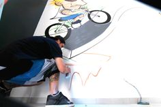 Grafite loja Corpo Culto Cascavel: Grafiteiros Du2 e Felipe Arquiteta Isabella Dalfovo