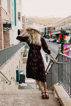 KNOT SISTERS: EIGHTY MIDI DRESS IN BURGUNDY CANYON FLORAL// DRESSES// MIDI DRESS// WOMENS CLOTHING