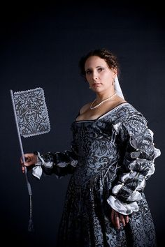 Me in renaissance dress Renaissance Dresses, Renaissance Fashion, Renaissance Fair, Italian Renaissance, Medieval Costume, Medieval Dress, Italian Outfits, Italian Clothing, Historical Costume
