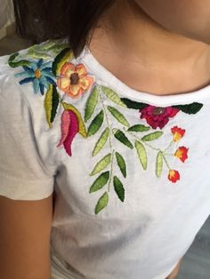 Wonderful Ribbon Embroidery Flowers by Hand Ideas. Enchanting Ribbon Embroidery Flowers by Hand Ideas. Embroidery On Clothes, Shirt Embroidery, Embroidered Clothes, Hand Embroidery Patterns, Ribbon Embroidery, Floral Embroidery, Embroidery Stitches, Machine Embroidery, Embroidery Kits