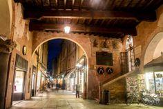 Twitter / @Ainara Garcia: Anochece en las calles de Ravenna