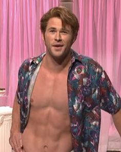 """Chris Hemsworth joins the """"We're not pornstars anymore"""" ladies in a skit from the March 2015 episode of Saturday Night Live"""