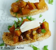 Butternut Squash Bruschetta - buttery squash elevated with some honey and chili! #appetizer #butternut: