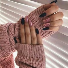 Long Nails Design Ideas You Should Try Today The most memorable and attractive ones will be the stylish long nail design. Drawing and painting on the long nails. And you can turn any design you like into reality. Romantic patterns, beautiful l. Cute Acrylic Nails, Fun Nails, Acrylic Nails Chrome, Pink Chrome Nails, Matte Pink Nails, Long Nail Designs, Art Designs, Design Art, Almond Shape Nails