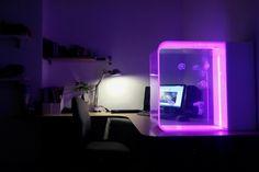 能讓你生起養水母衝動的 Pulse 80 桌面水母缸