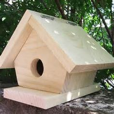 Simple Birdhouse Woodworking Plan