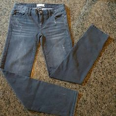 """Free People Skinny Black Distressed and stylish.  Measurements:  Waist 26"""" Inseam 31"""" Outseam 38"""" Front Rise 7"""" Back Rise 12"""" Hips 32"""" Free People Jeans Skinny"""
