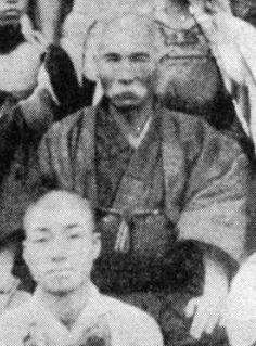 Ankō Itosu  Grandfather of Modern Karate.    Logró incorporar el karate a las escuelas de okinawa. Gran Maestro, gran pedagogo.