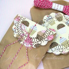 Paper Gift Bag Set / Favor Bags / Treat Bags - Includes Paper Bags, Paper Doilies and Baker's Twine. $7.75, via Etsy.