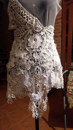 Confeccionando vestido de doilies séc.XIX, criando textura têxtil...