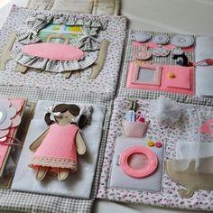 Doll House Play, Felt Doll House, Mini Doll House, Toy House, Christmas Gifts For Girls, Personalized Christmas Gifts, Felt Dolls, Doll Toys, Travel Toys