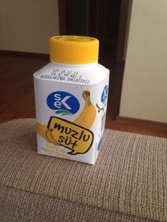 SEK Muzlu Süt İçindekiler (66 kcal); Pastörize İnek Sütü (%1,5 yağlı), Şeker, Muz Püresi (%1,35), Muz Aroma Vericisi, Kıvam Arttırıcı, Asit Düzenleyici, Renklendirici.