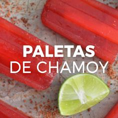 Only 5 ingredients are needed for these Mexican popsicles. Sweeten with stevia or monk fruit and use a sugar-free chamoy for a healthier version. Mexican Snacks, Mexican Food Recipes, Dessert Recipes, Kitchen Recipes, Cooking Recipes, Comida Diy, Deli Food, Popsicle Recipes, International Recipes