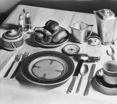 Mimbres-inspired place setting designed by Mary Colter ca.1940 in the Atchison, Topeka, and Santa Fe Railway chief car. Heard Museum, Phoenix, Arizona [RC1:57]