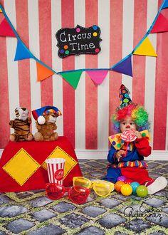 Circus Cake Smash by Erika Gutierrez Fotografia, via Flickr