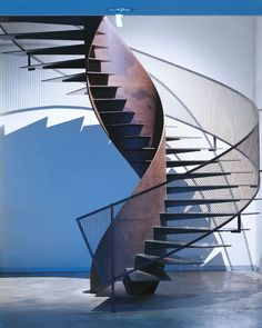 Modern Staircase Design Ideas - Search pictures of modern stairs and uncover design as well as layout ideas to influence your very own modern staircase remodel, consisting of unique barriers and storage . Metal Stairs, Modern Stairs, Stairs Architecture, Architecture Details, Escalier Design, Stair Handrail, Railings, Balustrades, Staircase Remodel