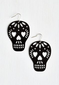 Earrings: Cute and Unique Styles Too Close to Skull Earrings. Your friends are sure to adore these skull earrings so much, they wont know which detail to compliment first! Diy Leather Earrings, Skull Earrings, Diy Earrings, Leather Jewelry, Vintage Earrings, Leather Craft, Earrings Handmade, Heart Earrings, Skull Jewelry
