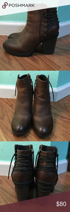 Steve Madden | brown leather ankle boots | W6.5 Ankle boots by Steve Madden. Shoe Lace design on the back &a zippers on the side. Only worn twice and are in really great condition. Let me know if you have any questions or want more pics! Steve Madden Shoes Ankle Boots & Booties
