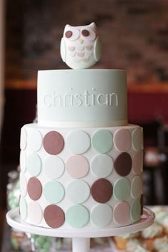Super cute owl christening cake