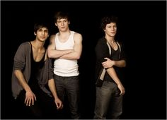 Luke Pasqualino, Jack O'Connell , and Ollie Barbier Luke Pasqualino, Skins Generation 2, Cook Skins, Jack O'connell, Skins Uk, Three Boys, First Girl, Series Movies, Jealousy