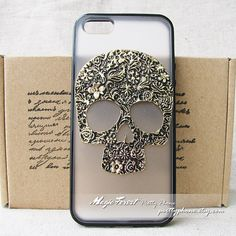 This is a new handmade iphone 5 case