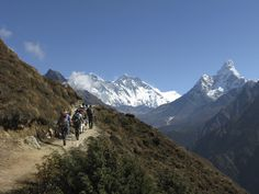The trip to Everest is a feast for the eyes.