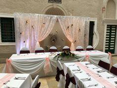 #wedding #decor #hochzeit #esküvő #weddinglights #LEDlights #powder #burdeaux #burgundy #love #lightcurtain #rose Curtain Lights, Wedding Decor, Powder, Burgundy, Curtains, Table Decorations, Lighting, Rose, Furniture